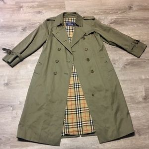 Authentic Vintage Burberry Trench Coat Size Large